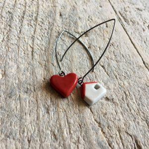 orecchini pendenti asimmetrici cuore e casetta