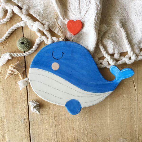 decorazione da parete poggiamestolo balena con cuore