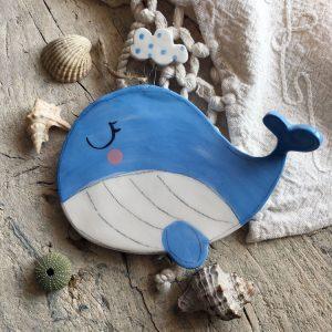 decorazione da parete poggiamestolo balena con nuvola