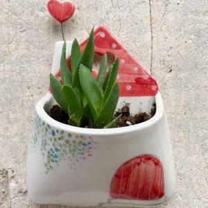 vasetto tetto rosso e cuore